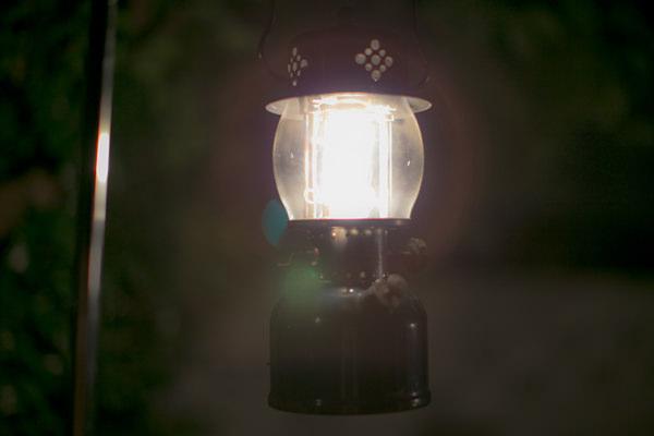 コールマン オールドランタン 点灯しました。